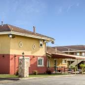 奧克蘭羅德威旅館&套房酒店